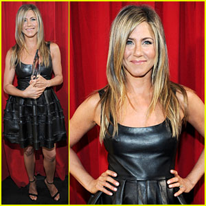 jennifer-aniston-peoples-choice-awards-2013-winner